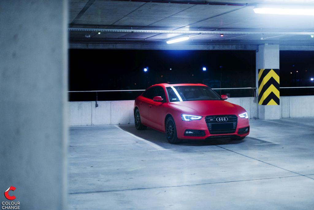 Audi S5 – F1 Racin Red