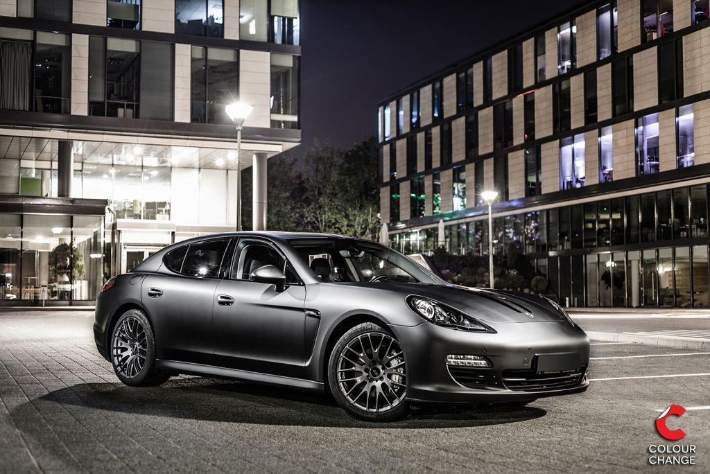 Porsche panamera 4s – matte black