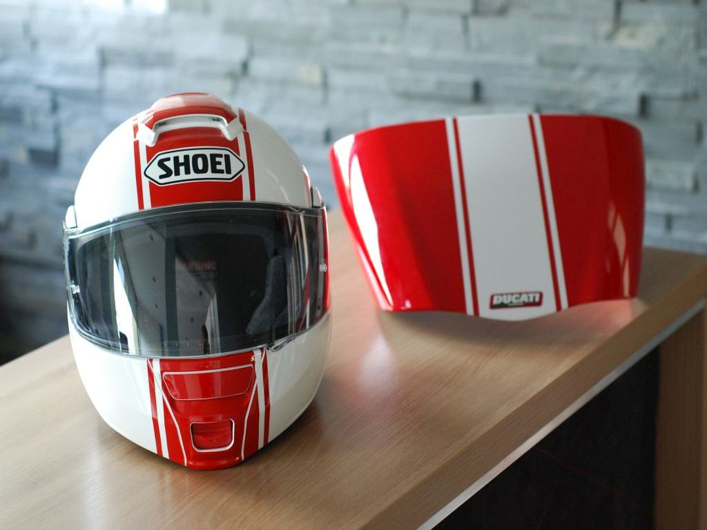 Shoei – hot rod red