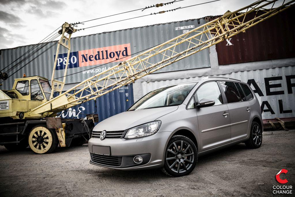 VW touran – matte charcoal metallic