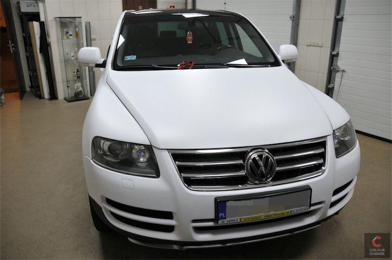 VW touareg – matte white