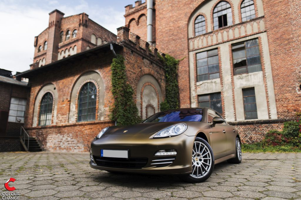 Porsche Panamera – Matt Bond Gold