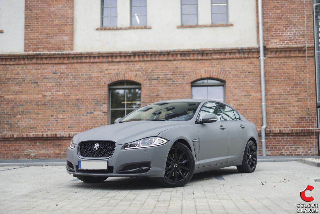 Jaguar XF – Combat Grey